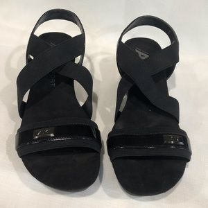 Anne Klein Black Sport Sandals 9 1/2 M